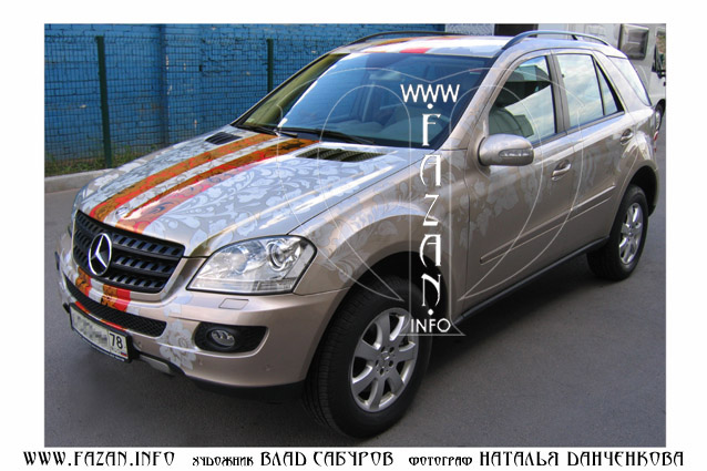 Аэрография  в стиле хохлома на автомобиле Mercedes Benz ML 350. Фото 08.