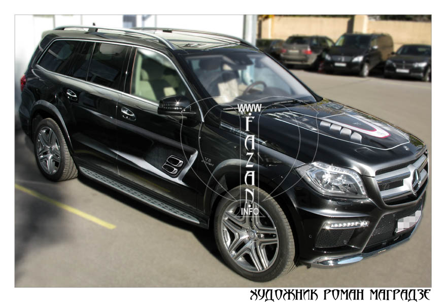 Аэрография на черном автомобиле Mercedes Benz GL350. Фото 10.