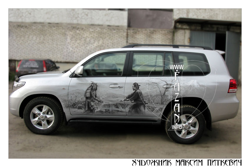 Аэрография самураев на автомобиле TOYOTA LAND CRUISER 200, фото 01.