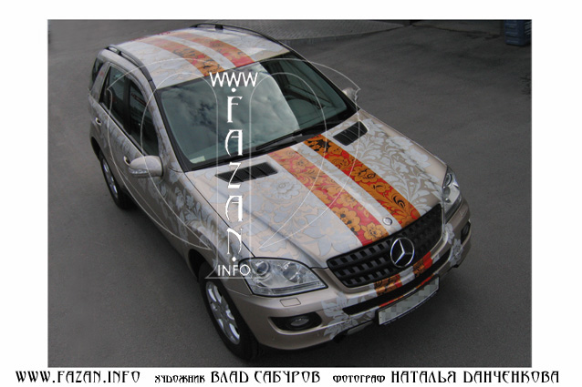 Аэрография  в стиле хохлома   на автомобиле Mercedes Benz ML 350. Фото 02.