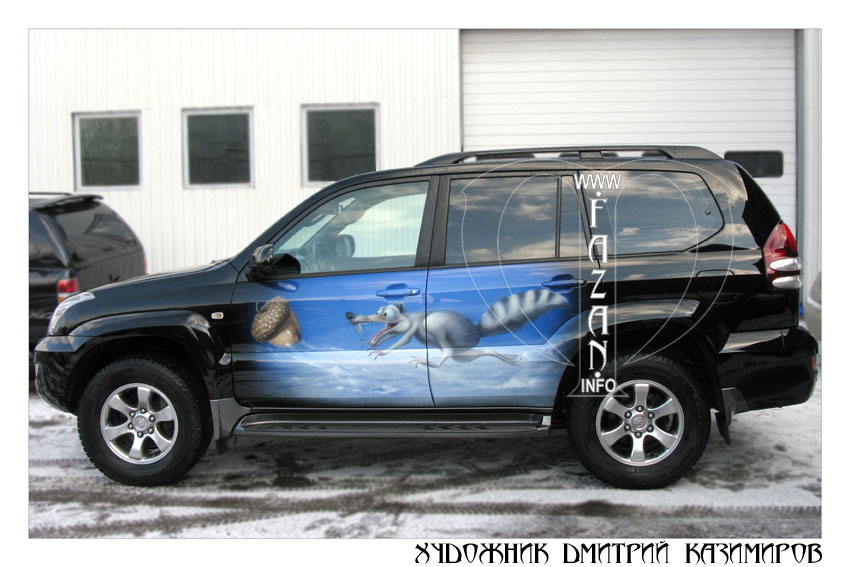 Аэрография белки Скратта на автомобиле Toyota Land Cruiser 200. Фото 02.