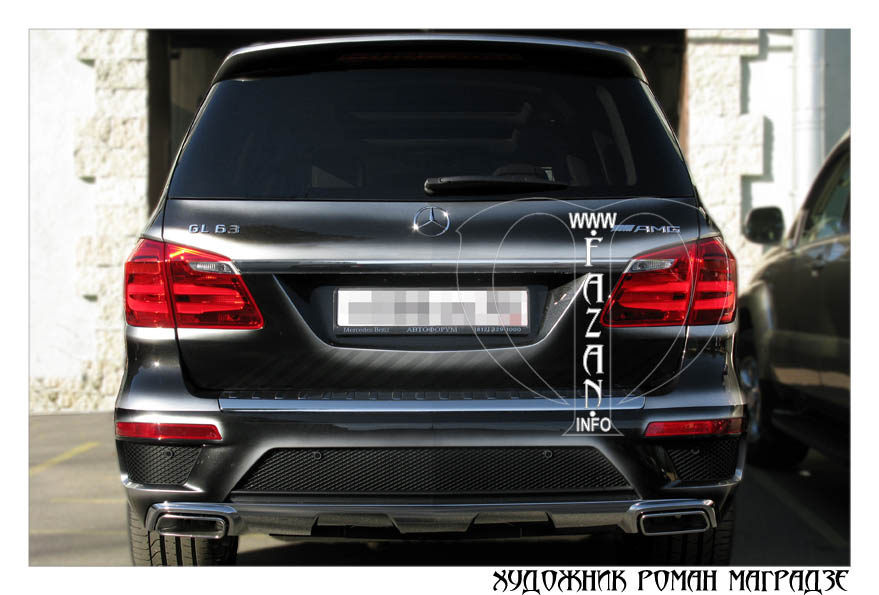 Аэрография на черном автомобиле Mercedes Benz GL350. Фото 08.