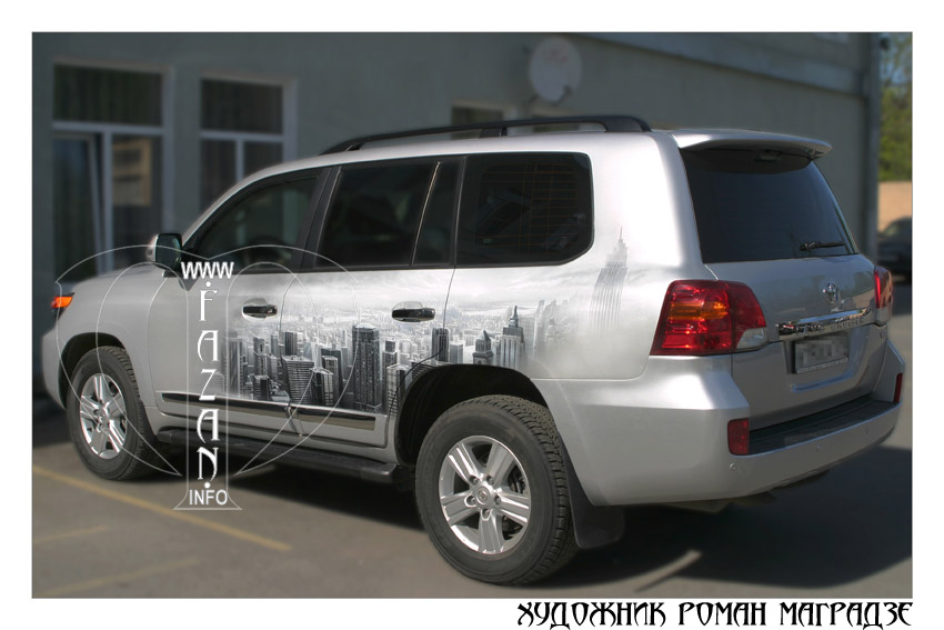 Аэрография на серебристом автомобиле Toyota Land Cruiser 200. Фото 17.