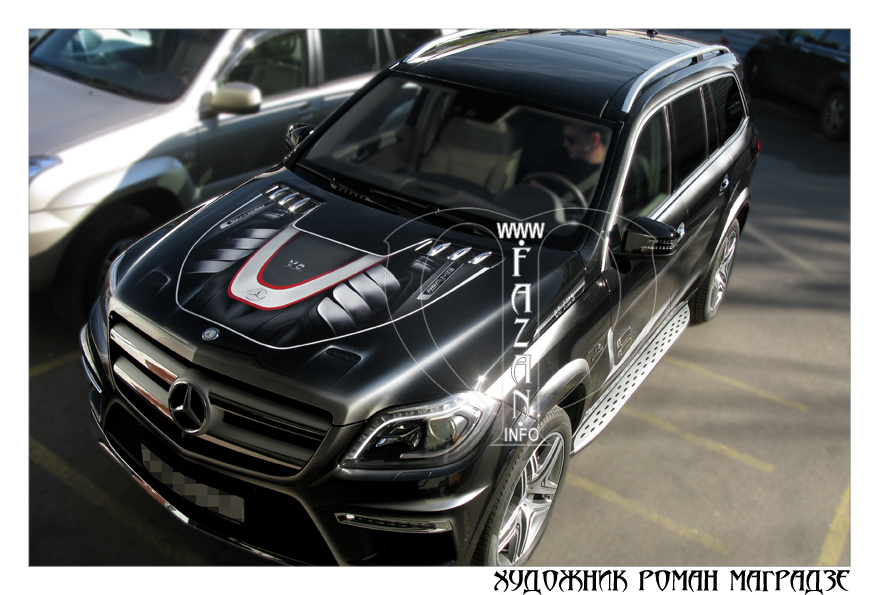 Аэрография на черном автомобиле Mercedes Benz GL350. Фото 11.